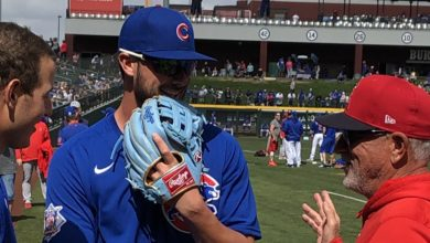 Photo of Hugs All Around at Sloan Reunion, Maddon Admits Biggest Cubs Regret, Bryant Reiterates He's Own Boss