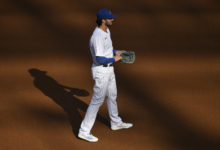 Photo of No IL for Kris Bryant Following Oblique Issue, Rex Brothers Optioned to South Bend
